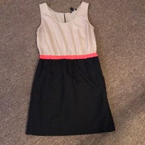 BR Black and Tan dress with pockets Sz 6